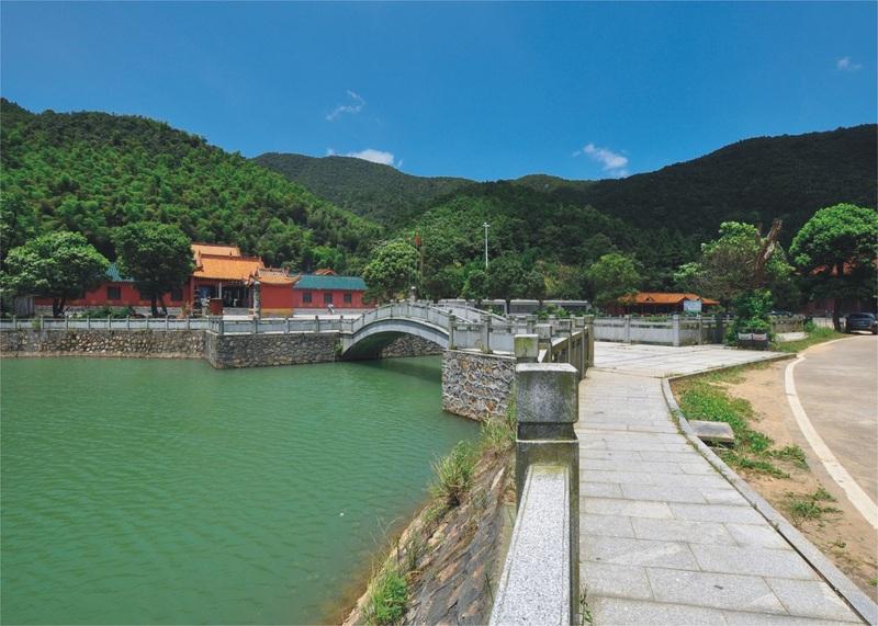 二,仙庾道观 仙庾道观位于株洲市仙庾风景区内,是株洲市著名的名胜
